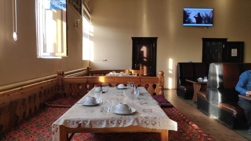 ウズベキスタン式の座敷席
