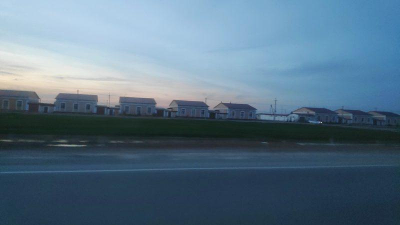 ウルゲンチからヌクス移動中の夕暮れ