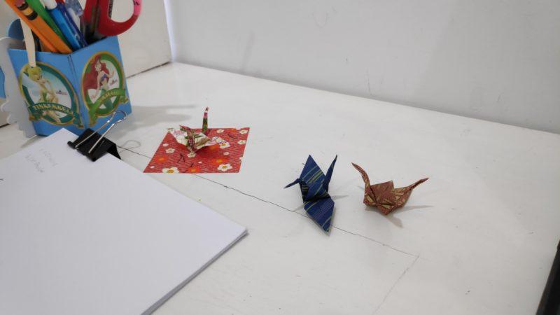 折り鶴作成の様子