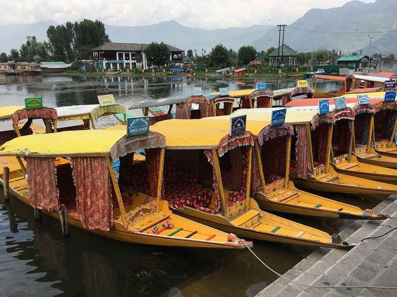 スリナガルの渡し船