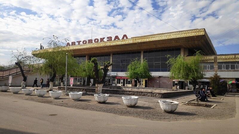 ビシュケクのバスターミナル