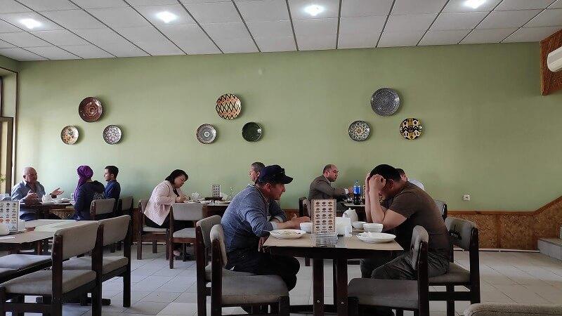 Shergiron Osh Markazi店内