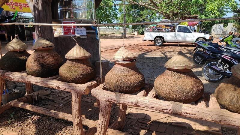 ミャンマー、パアンの水飲み場