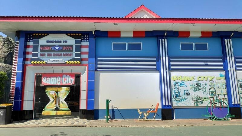 ミャンマー、パアンのゲームセンター