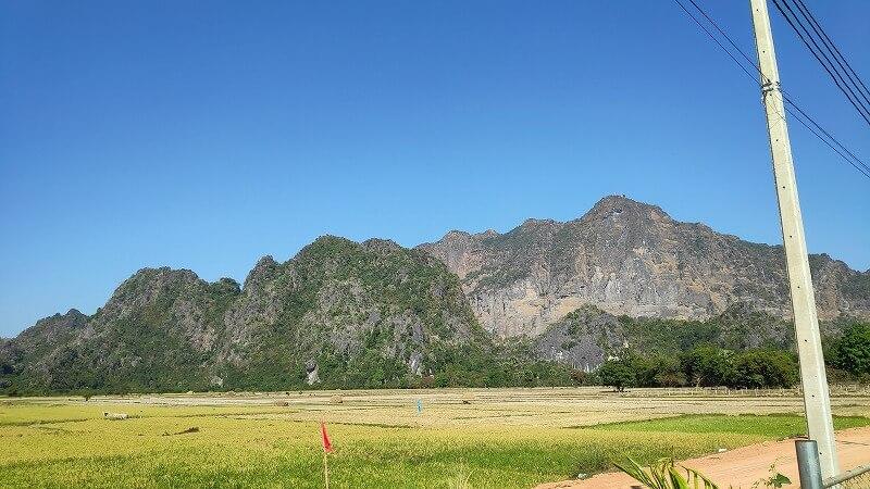 ミャンマー、パアンのズウェガビン山