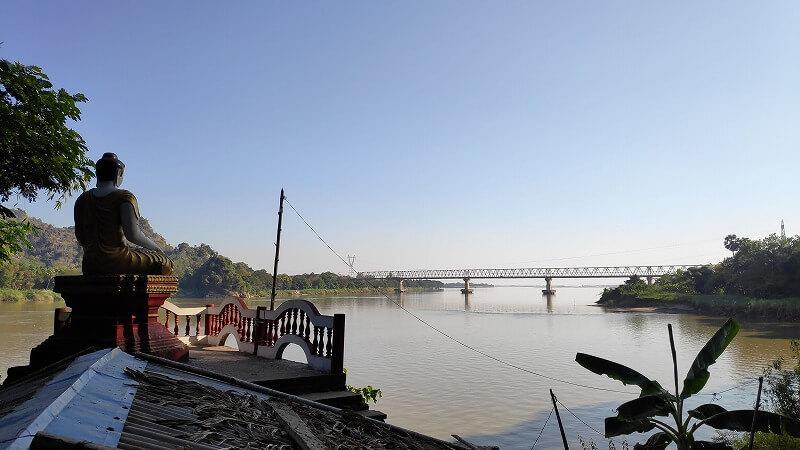 ミャンマー、パアンのバットケーブからの景色