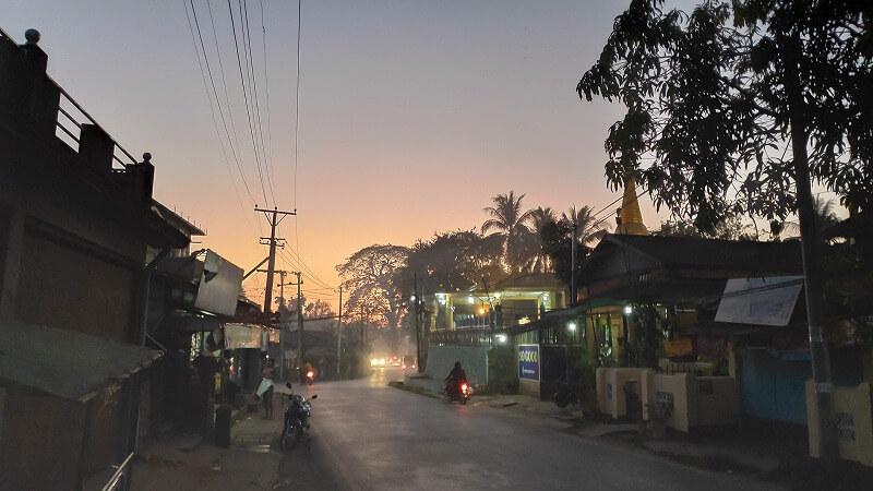 ミャンマー、パアンの夕焼け
