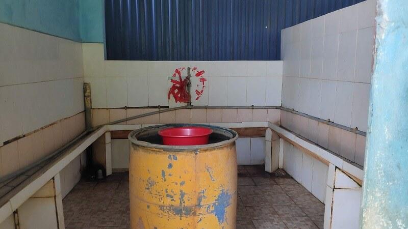 ガソリンスタンド併設のトイレ