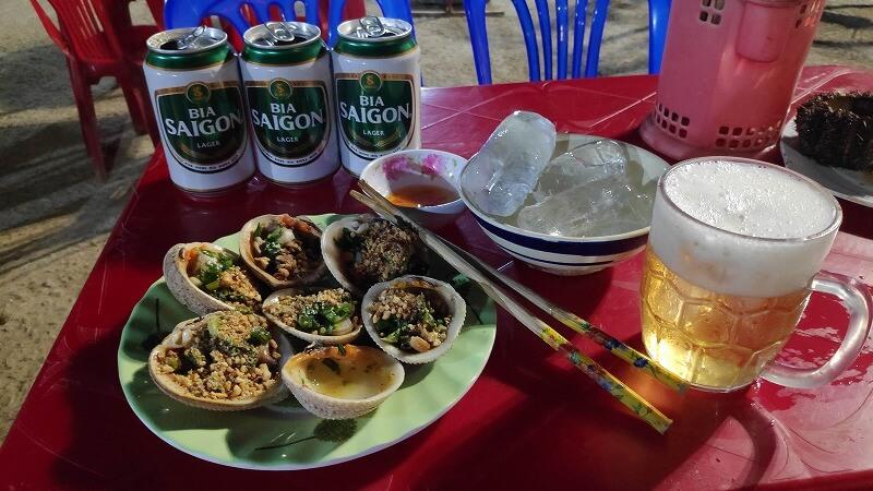ビールと貝料理