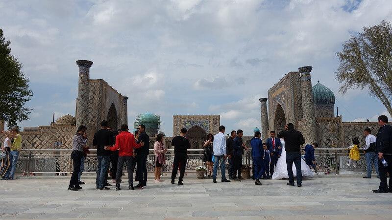 レギスタン広場で挙式
